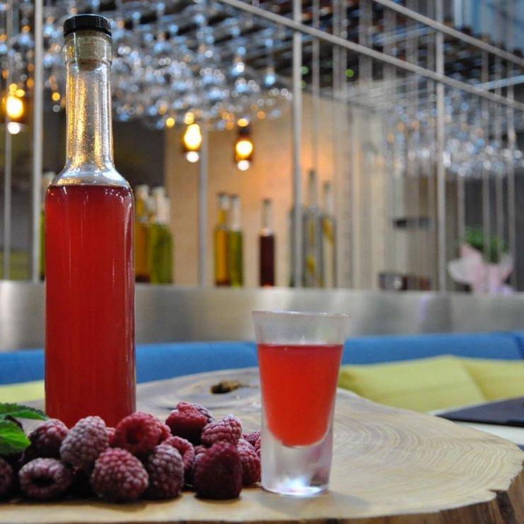 Малиновый ликер в домашних условиях на водке, самогоне, спирту